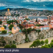 tbilisi-georgia-scenic-view-cityscape-of-summer-old-town-metekhi-church-of-assumption-in-historic-neighborhood-of-tbilisi-located-on-elevated-RKJAKT