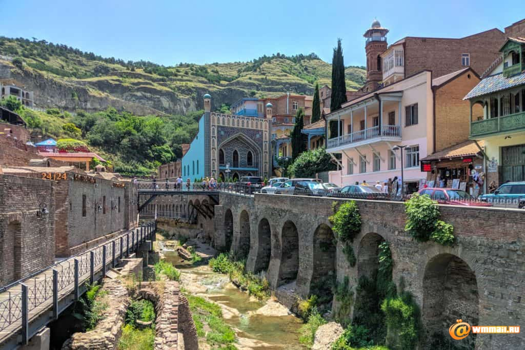 tbilisi-old-town-with-sulpher-baths-1024x683